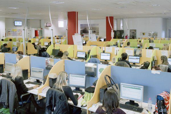 Call&Call, La Spezia, 2015. 600 employees, 80% are women with an average age of 35 years old.Call&Call, La Spezia, 2015. Call center della Call&Call, 600 dipendenti di cui 80% donne con età media di 35 anni.