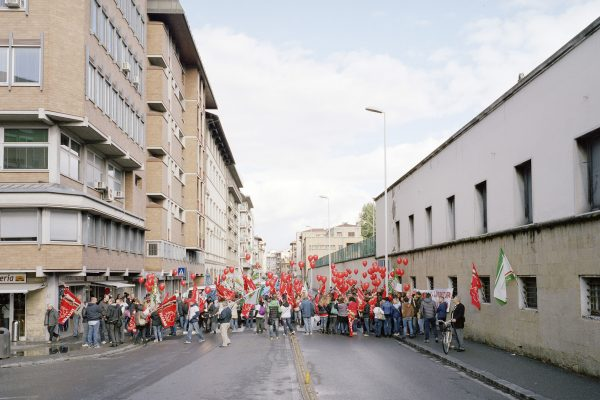 CNA Toscana (National confederation of crafts), Florence. Union picket of the employees of CNA Tuscany.CNA Toscana (Confederazione Nazionale Artigianato), Firenze. Presidio sindale dei dipendenti dell'azienda.
